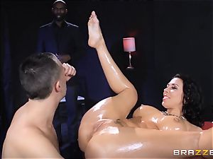 Rachel Starr luvs some oily joy in front of her husband