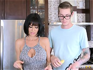 insatiable mummy Veronica Avluv plowing her sons-in-law ultra-kinky buddy