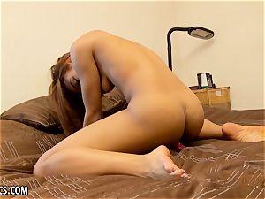 Nami Dahlia luvs to open her handsome ebony cooch