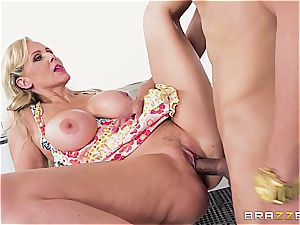 molten chesty Julia Ann is cooking a wild manmeat
