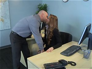 Samantha Hayes says sorry to her manager by jacking his prick