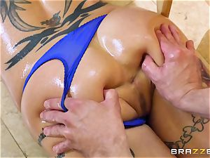 young guy plows fabulous nasty milf Anna Bell Peaks in the kitchen