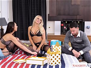 Alexis Monroe and Aidra Fox impatient for the man-meat of Seth Gamble