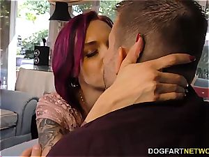impatient Anna Bell Parks deep-throating an black johnson