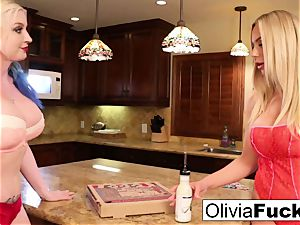 Olivia anally violates late pizza delivery female Leya!