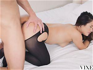 VIXEN Eva Lovia's most intense episode