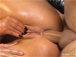 Nikki Benz celebrates with an oily anal screw