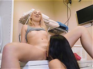 Sierra Nicole and Alexis Deen tribbing in the laundry apartment