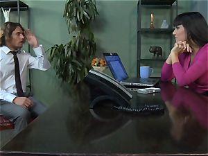 Mercedes Carrera gets an workers man-meat deep inside her