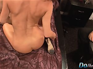 hubby witnesses wife Veronica Avluv spray