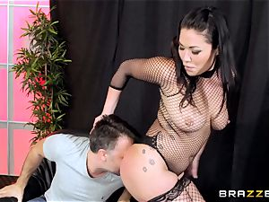 pole dancing London Keyes takes it deep in the donk