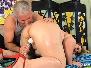 bbw Nikky wilder pleased by a masseuse
