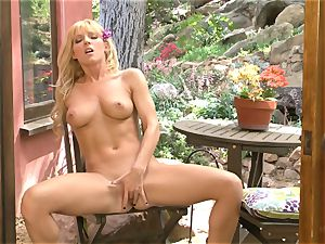 Niki Lee youthful shows her splendid tits before she plays