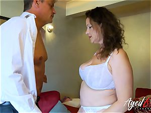 AgedLovE Bussinesman Seduced by super-hot Mature mom