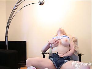 cutie convulses gal Jessie Lee fucktoys Her labia
