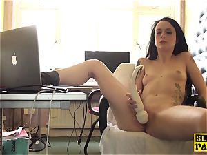 Clitrubbing uk slut toying with vibrator