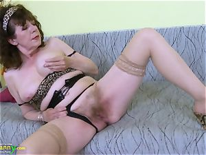 OldNannY superb Mature hairy vulva fucktoy onanism