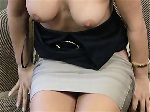 Eva Lovia pumping her beaver with a glass faux-cock