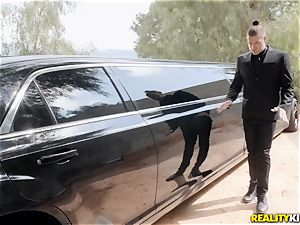 Jessa Rhodes plowed in the limo